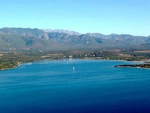Location mini villa en Corse, toute proche de la superbe plage de Benedettu